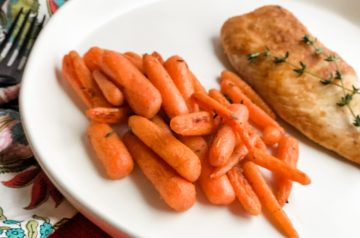 Pan-fried fish with carrots